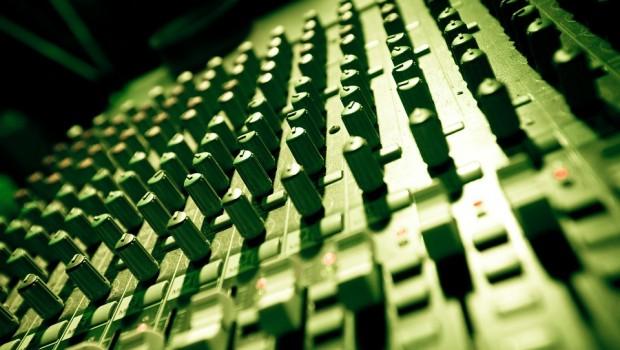 music-753066_960_720